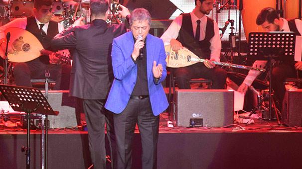 Cengiz Kurtoğlu – Gelin Olmuş Gidiyorsun – 9 Mart 2018 Bostancı Gösteri Merkezi Konseri