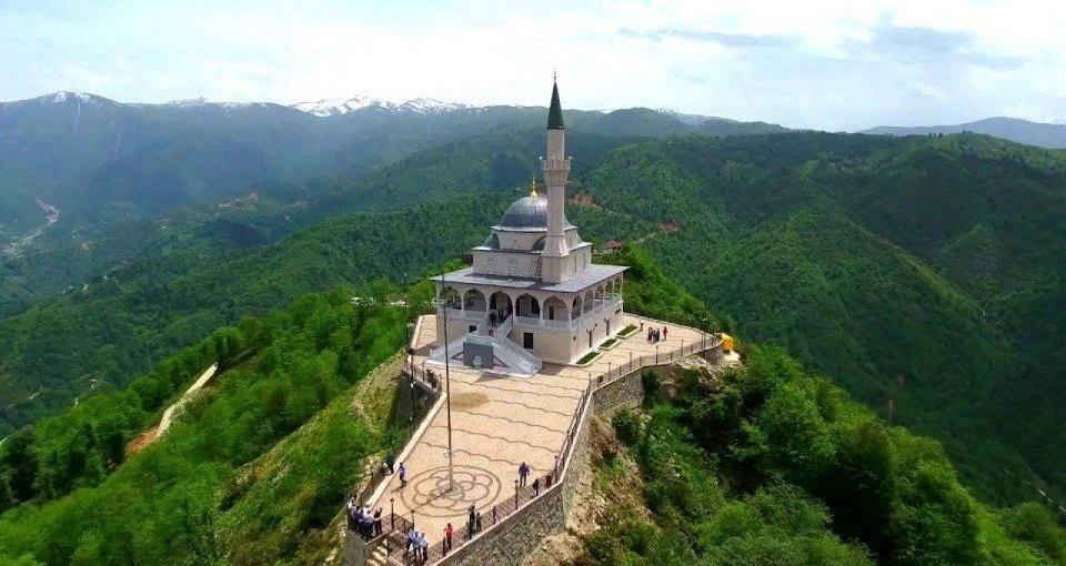 Rize Kıble Dağı Camii